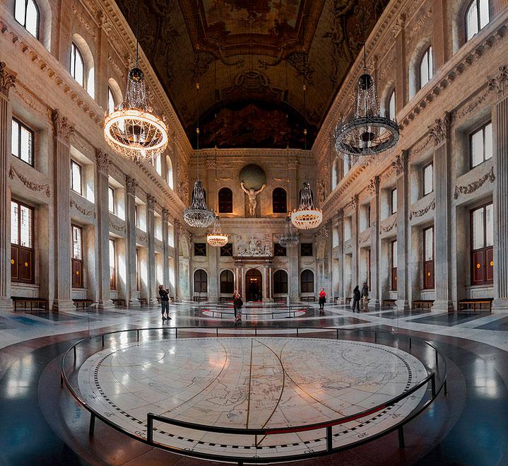 Interior del palacio real de amsterdam