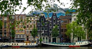 canal amsterdam2